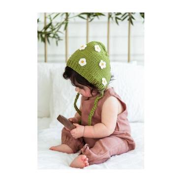 April Bonnet, Green