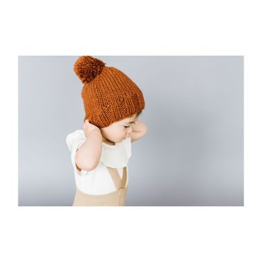 Single Pom Hat, Cinnamon