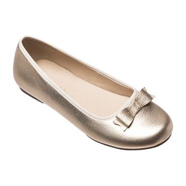 Camille Flats, Gold